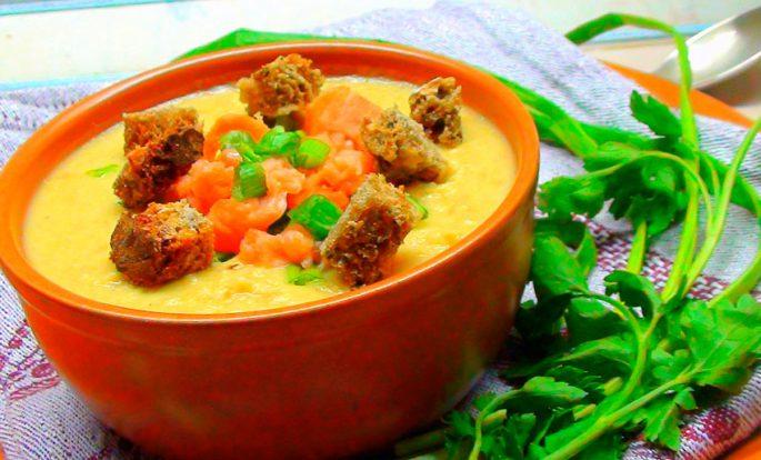 Суп-пюре из чечевицы и лосося