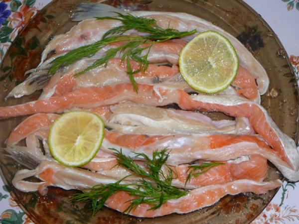 Засолка брюшек лосося