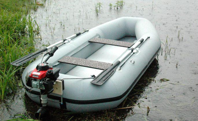 Гребные лодки с навесным транцем