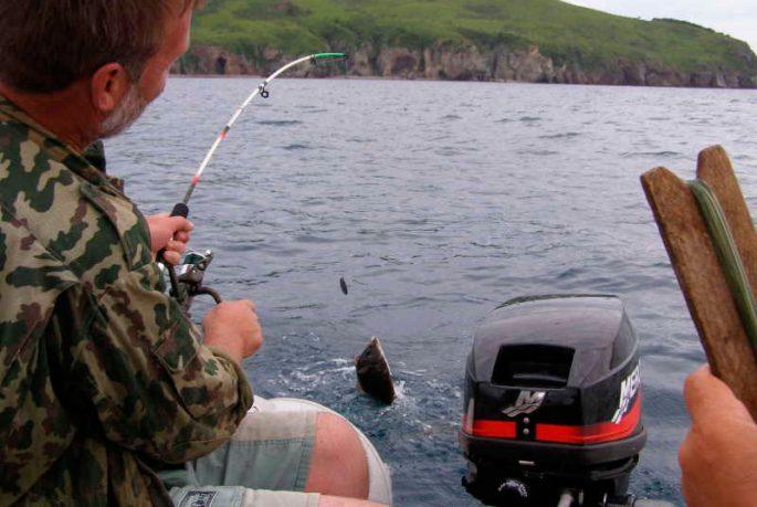 Ловля камбалы с лодки