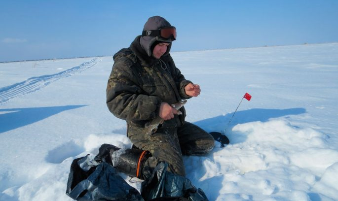 Зимняя рыбалка на Оби