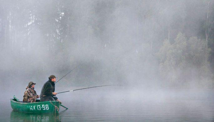 Идеальная погода для рыбалки с лодки