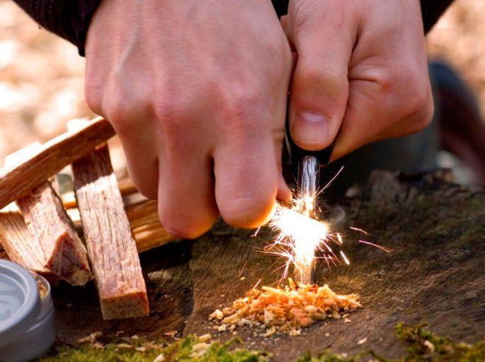 Чем можно разжечь костер