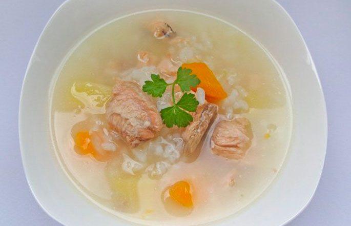 Сытный рыбный суп с рисом