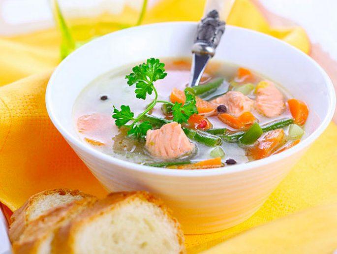 Суп из лосося с маринованными огурцами