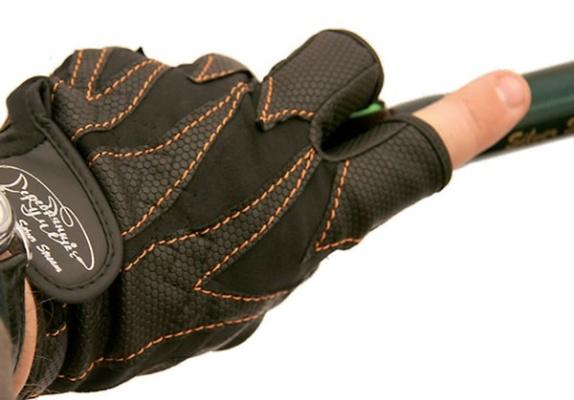 Фирменные перчатки для спиннингистов
