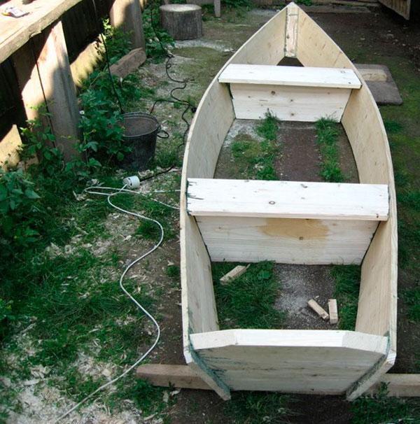 Простейшая лодка из дерева своими руками 43