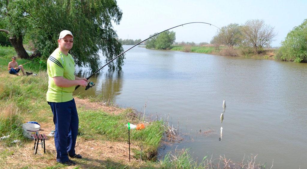 какие снасти нужно брать для рыбалки в астрахани