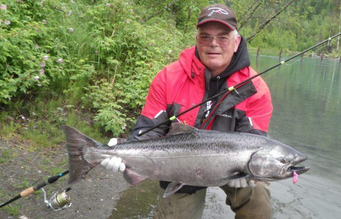 спиннинг для ловли лососевых
