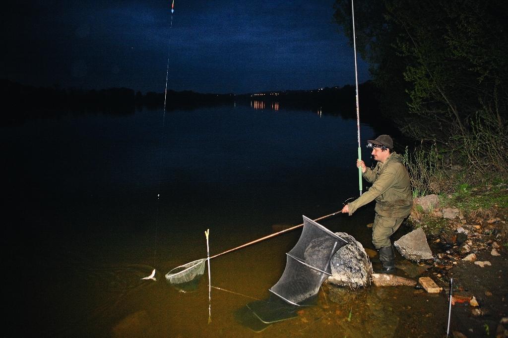 ловля на реке на оке
