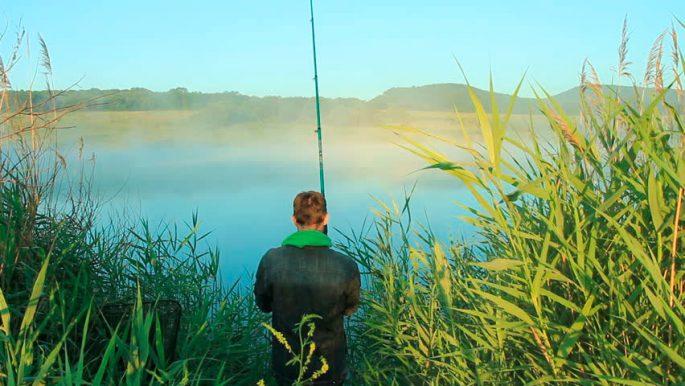 Снасти для ловли карася на реке
