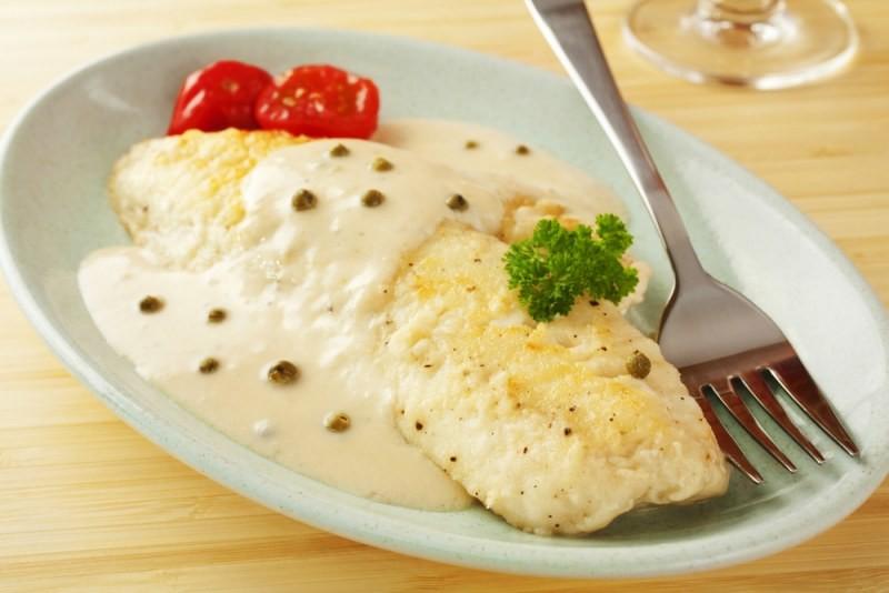 рыба запеченная в молочном соусе