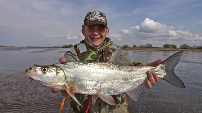 Рыбная ловля осенью